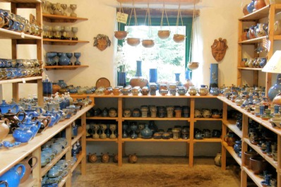Coolavokig Pottery Shop :interior